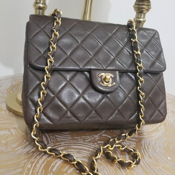 c56d5bdd6d79eb CHANEL Handbags - Preloved Chanel chocolate brown messenger bag